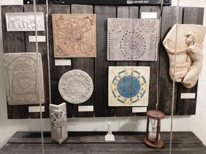 Фоторепортаж с выставки «Знаки и символы на пути»